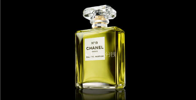 Chanel No°19