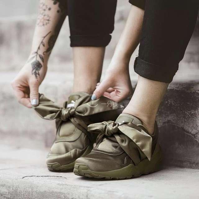 网红运动鞋 限量蝴蝶网红运动鞋