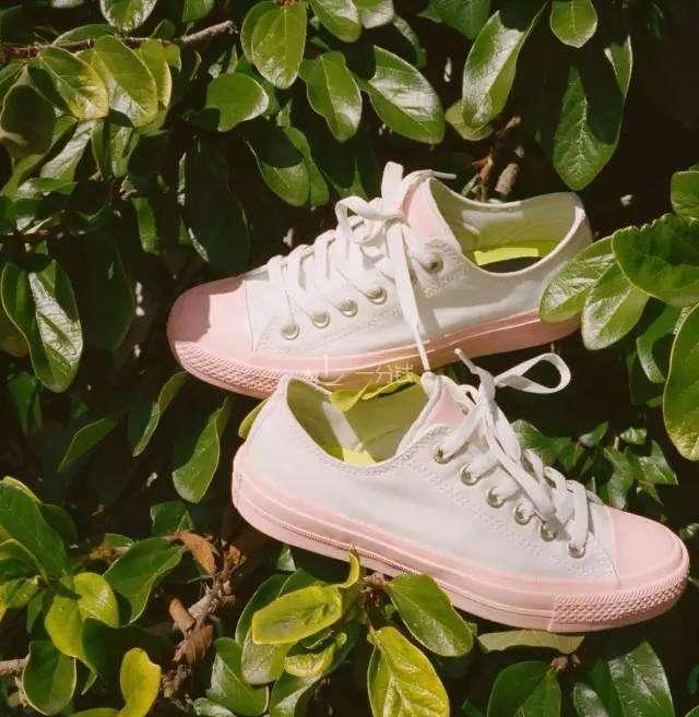 夏季小白鞋,蓝粉色混搭小白鞋